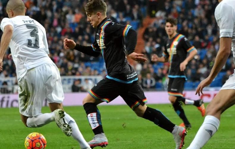 Joni Montiel makes La Liga debut with Rayo Vallecano