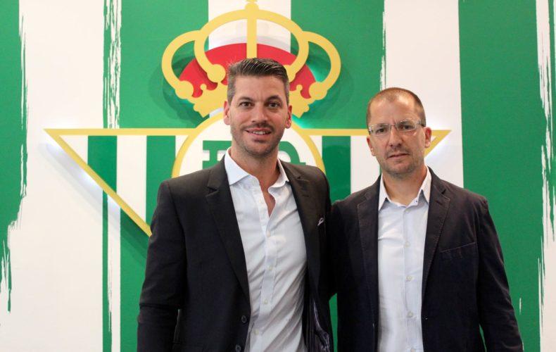 José Juan Romero renueva como entrenador del Betis B hasta 2018