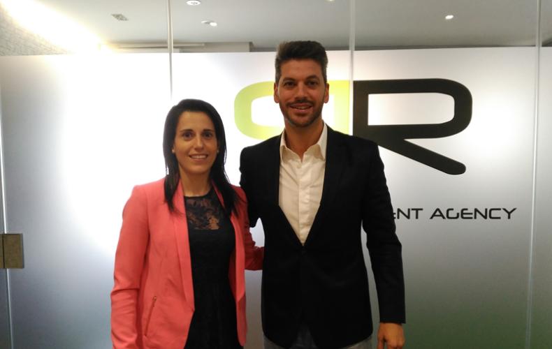 Acuerdo con AR10 para el impulso del fútbol femenino